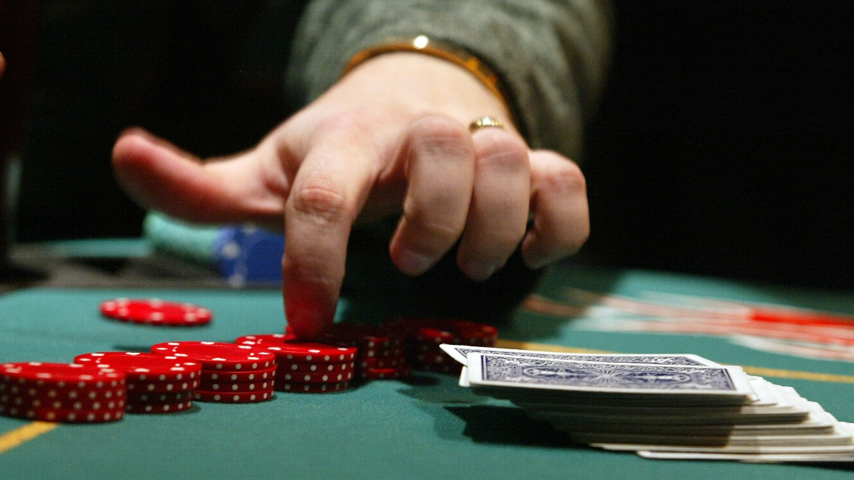 How To Play Online Poker: 4 Tips For Beginners | The Action Network